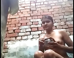 desi village girl bathing