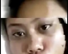 thai muslim virgin shows the brush tits on webcam