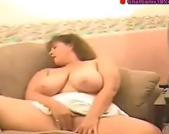 busty bbw webcam mature lady masturbating on the vis-�-vis