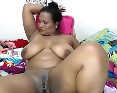 Thick ebony bbw masturbating pussy