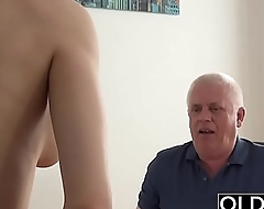Young Girl Fucked wits Old Man In Office Deepthroat Blowjob and Cumshot
