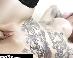 Anime Babe Sydnee Vicious Caught Rubbing One Out and Squirts