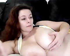 Chubby bbw with big boobs live chatting webcam