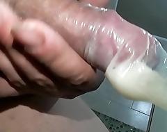 Cum load condom