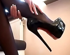 SEXY TEASING STOCKINGS pussygirls.xyz