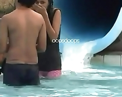 Camelto Desi girl pussy in water park
